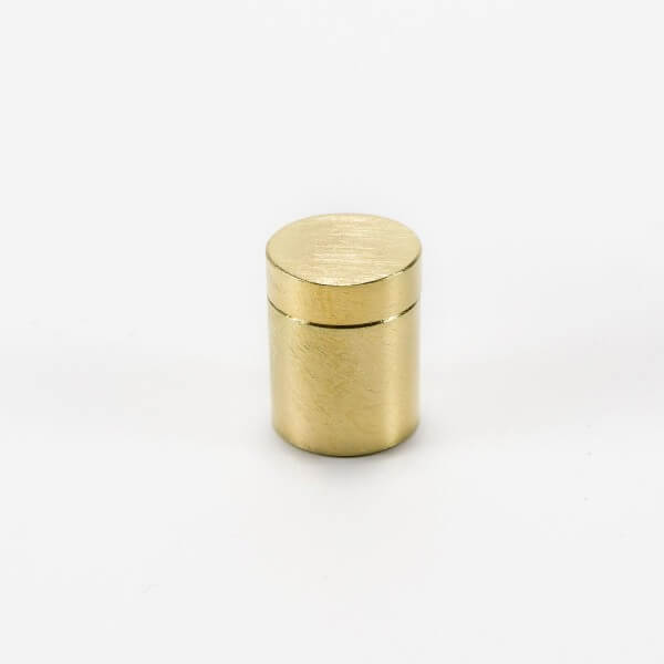 Messing 13 x 13 mm Schilderbefestigung in Gold-Optik